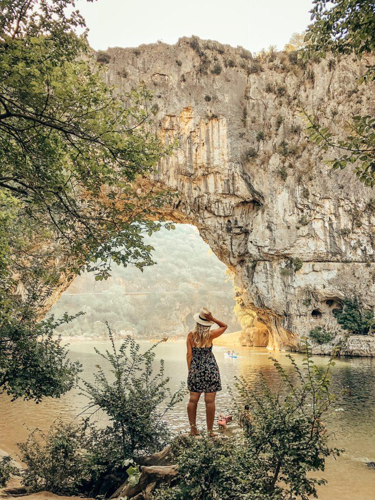 Vallon pont D'arc France